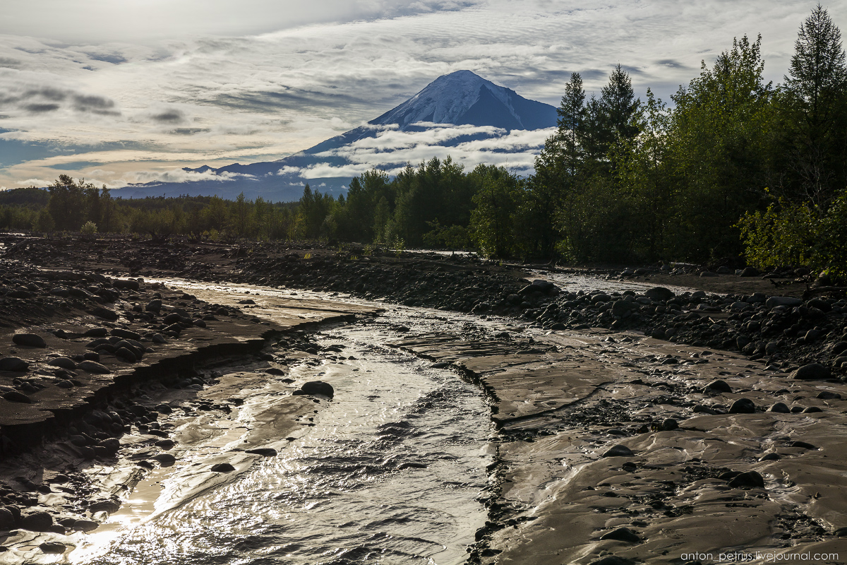 kamchatka-the-river-is-icy-15