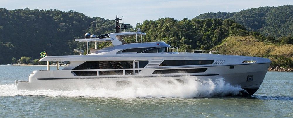 luxury-yacht-the-embodiment-of-beauty-freedom-and-a-symbol-of-security-15