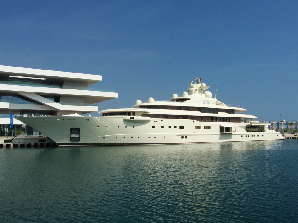 luxury-yacht-the-embodiment-of-beauty-freedom-and-a-symbol-of-security-16