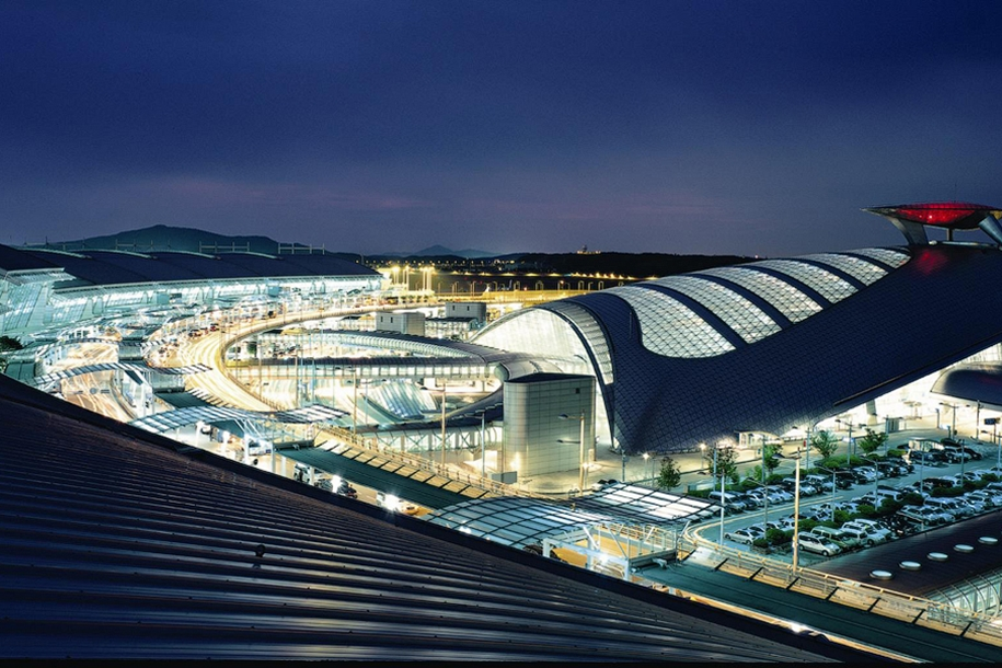 one-of-the-coolest-airports-in-the-world-02