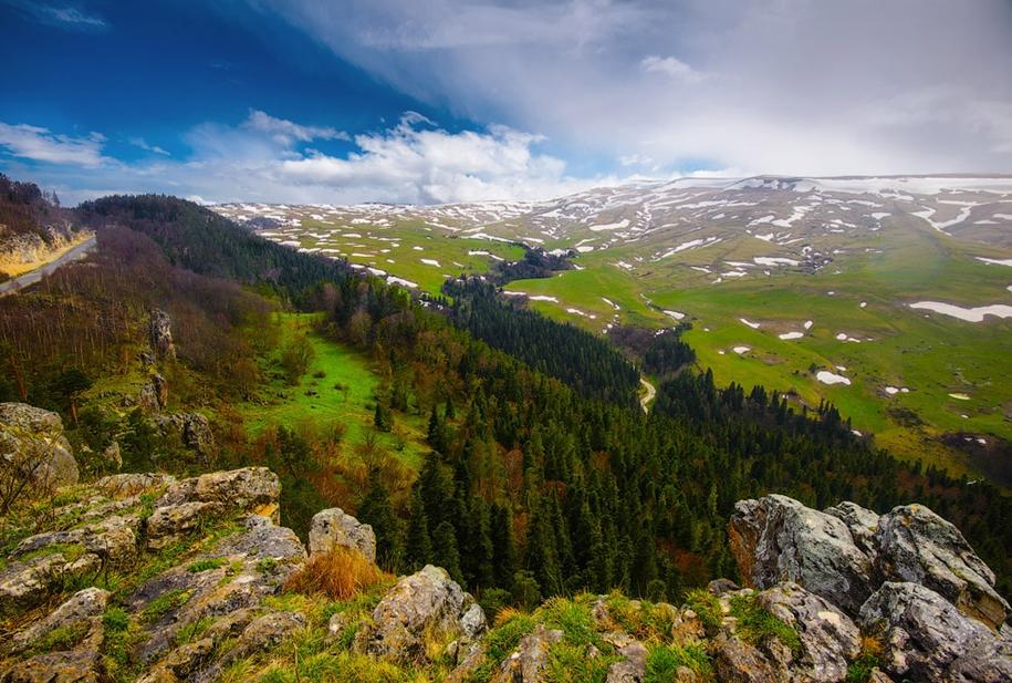 plateau-lago-naki-14