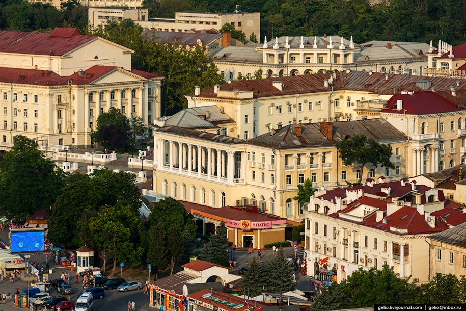 sevastopol-and-simferopol-from-the-height-of-the-citys-use-and-glory-09