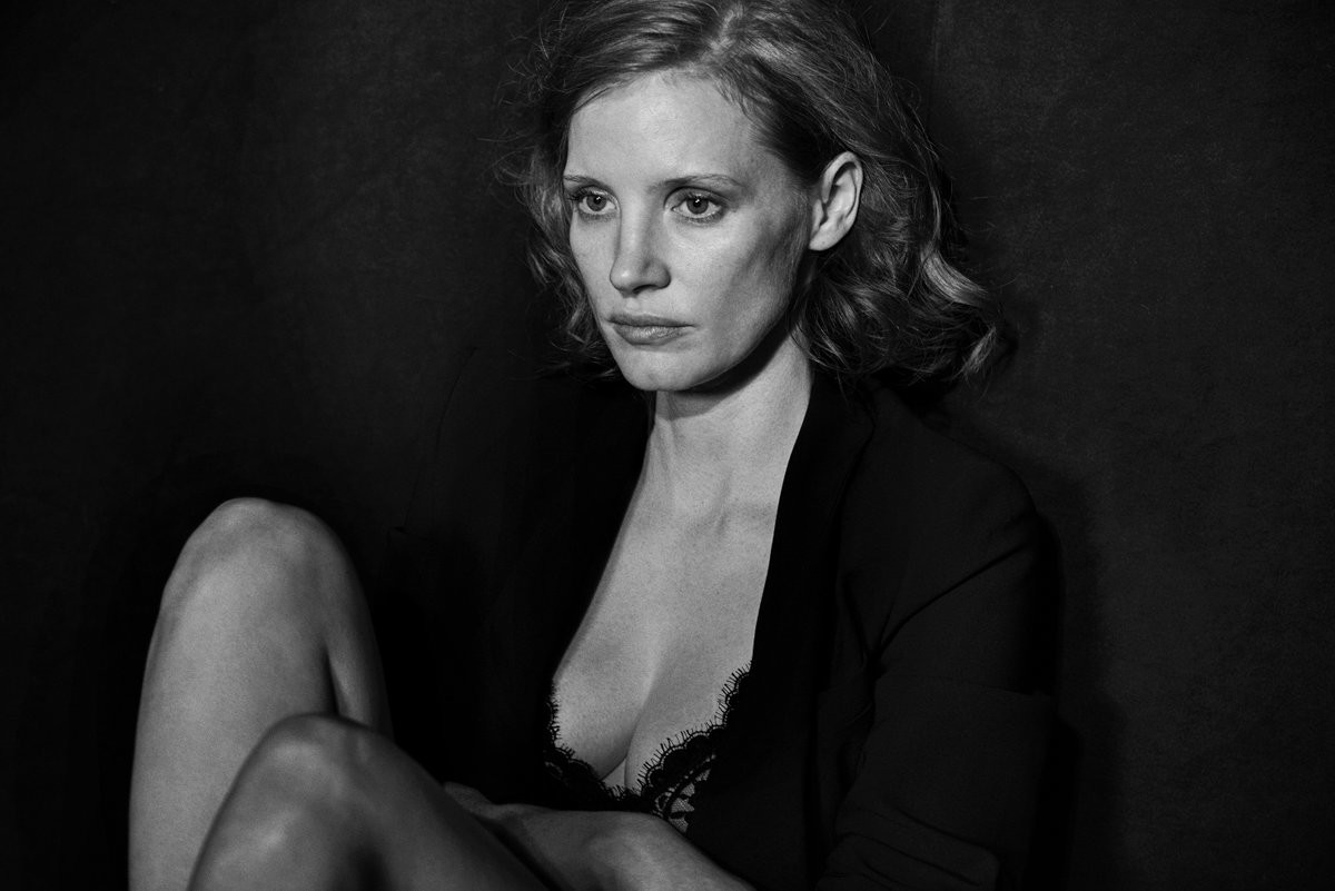 the-pirelli-calendar-2017-actresses-from-28-to-71-without-makeup-and-retouching-02