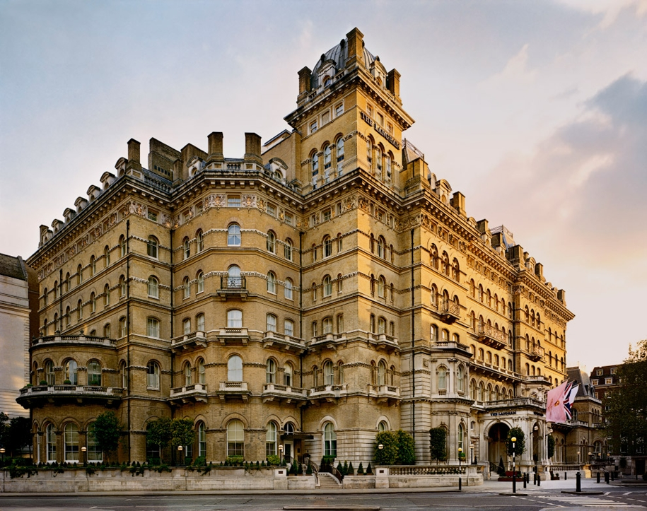 the-best-haunted-hotels-03