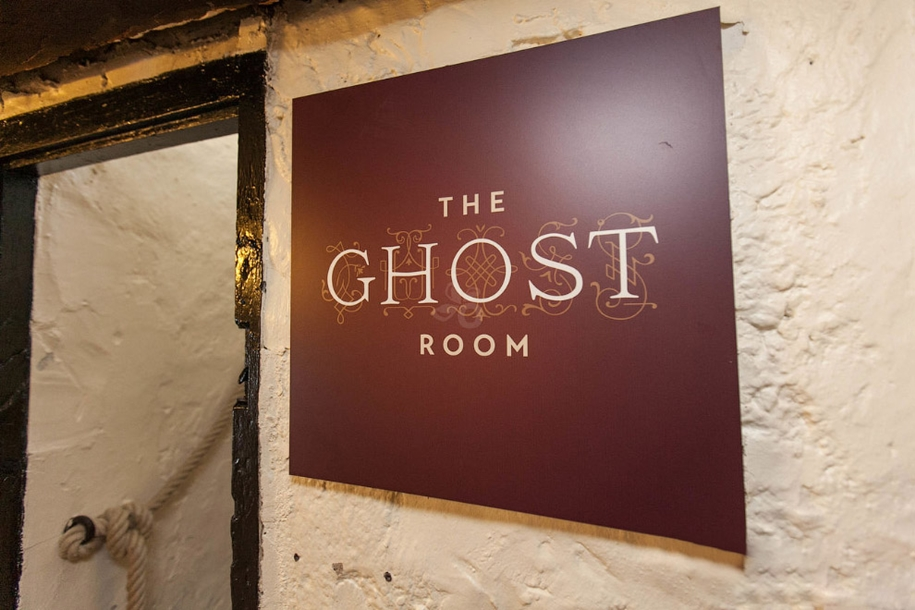 the-best-haunted-hotels-08
