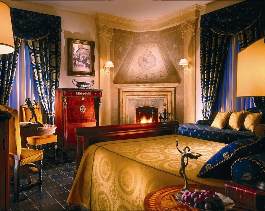 the-best-haunted-hotels-11