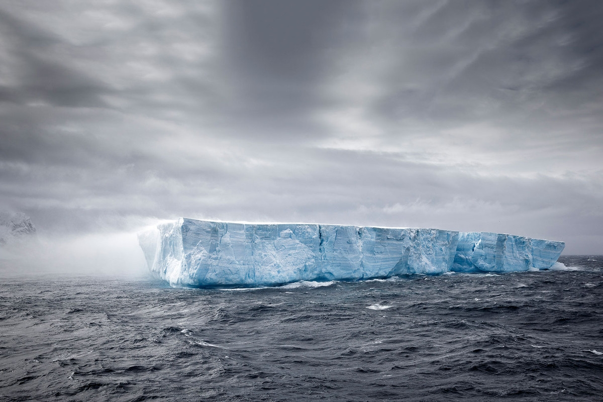 the-harsh-and-magnificent-antarctica-10