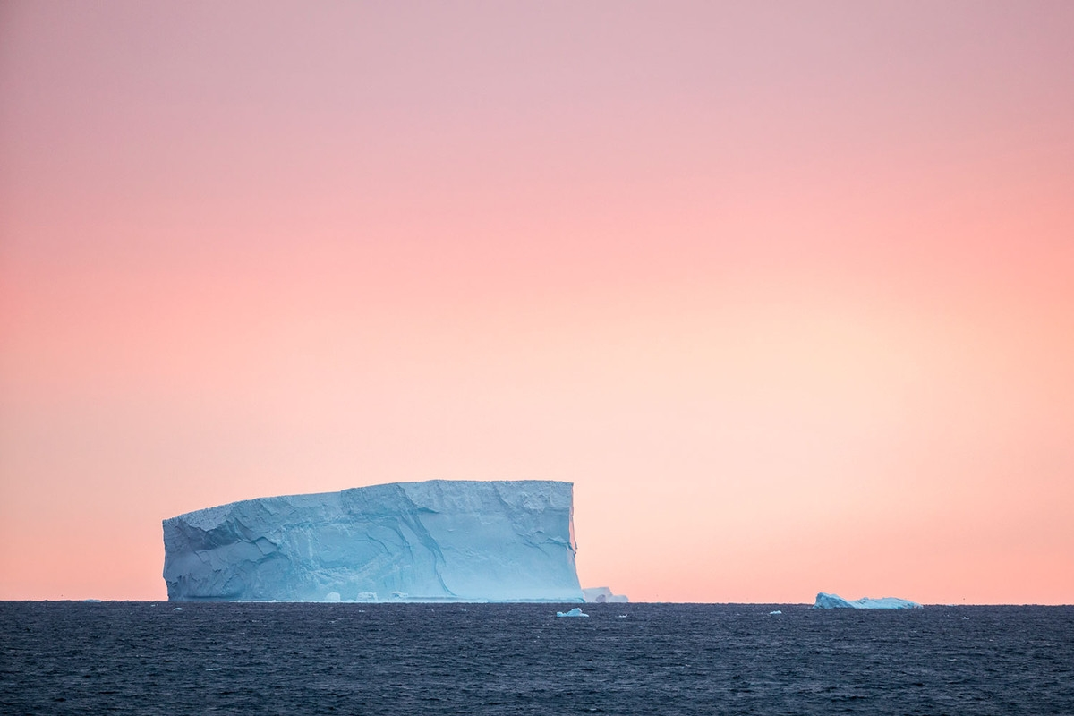 the-harsh-and-magnificent-antarctica-21