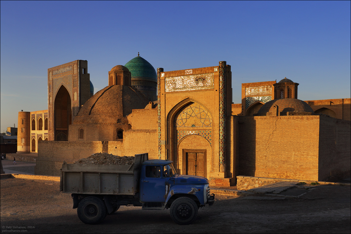 the-minaret-and-the-fortress-of-bukhara-04
