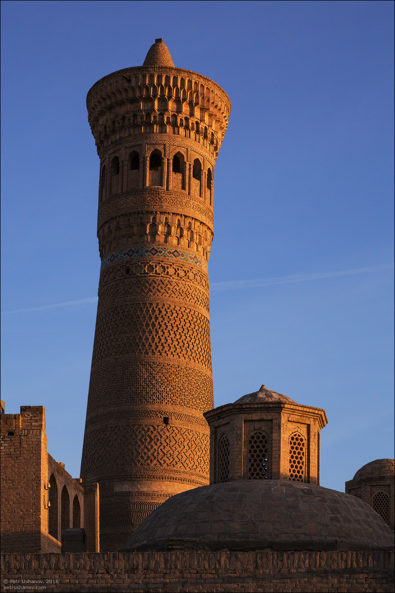 the-minaret-and-the-fortress-of-bukhara-06