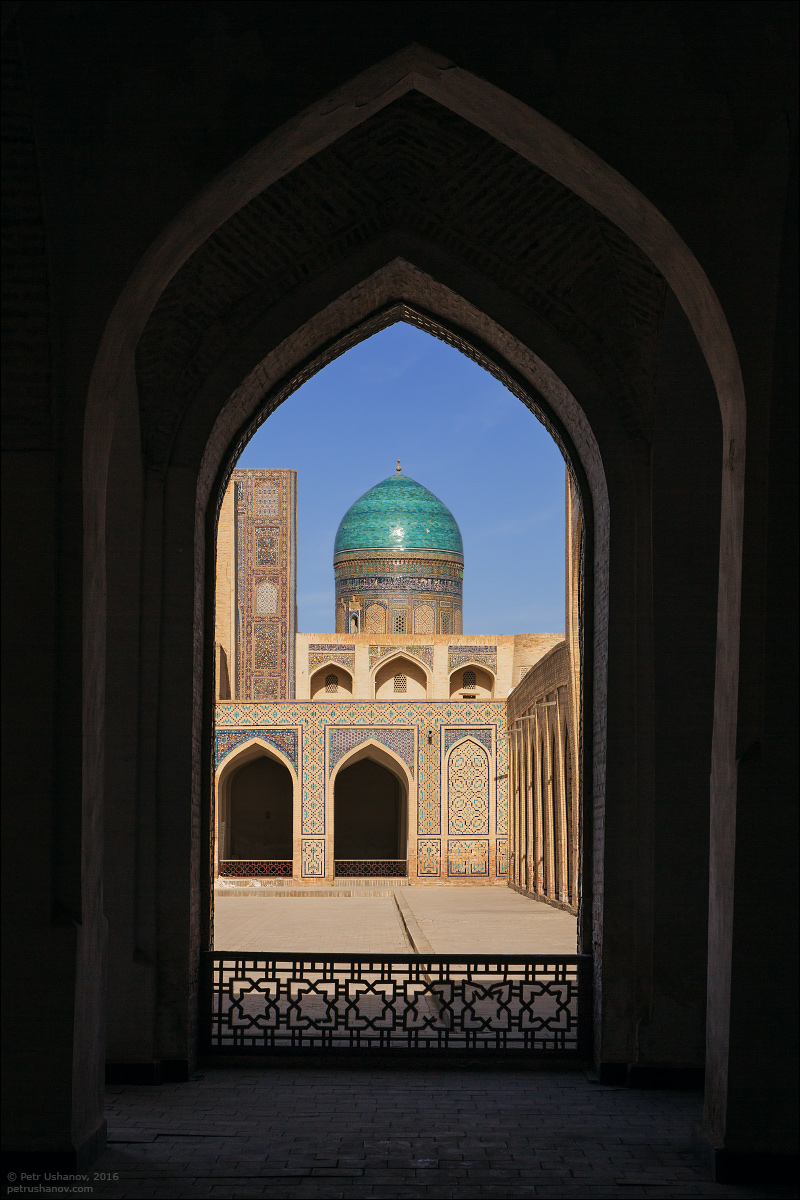 the-minaret-and-the-fortress-of-bukhara-09