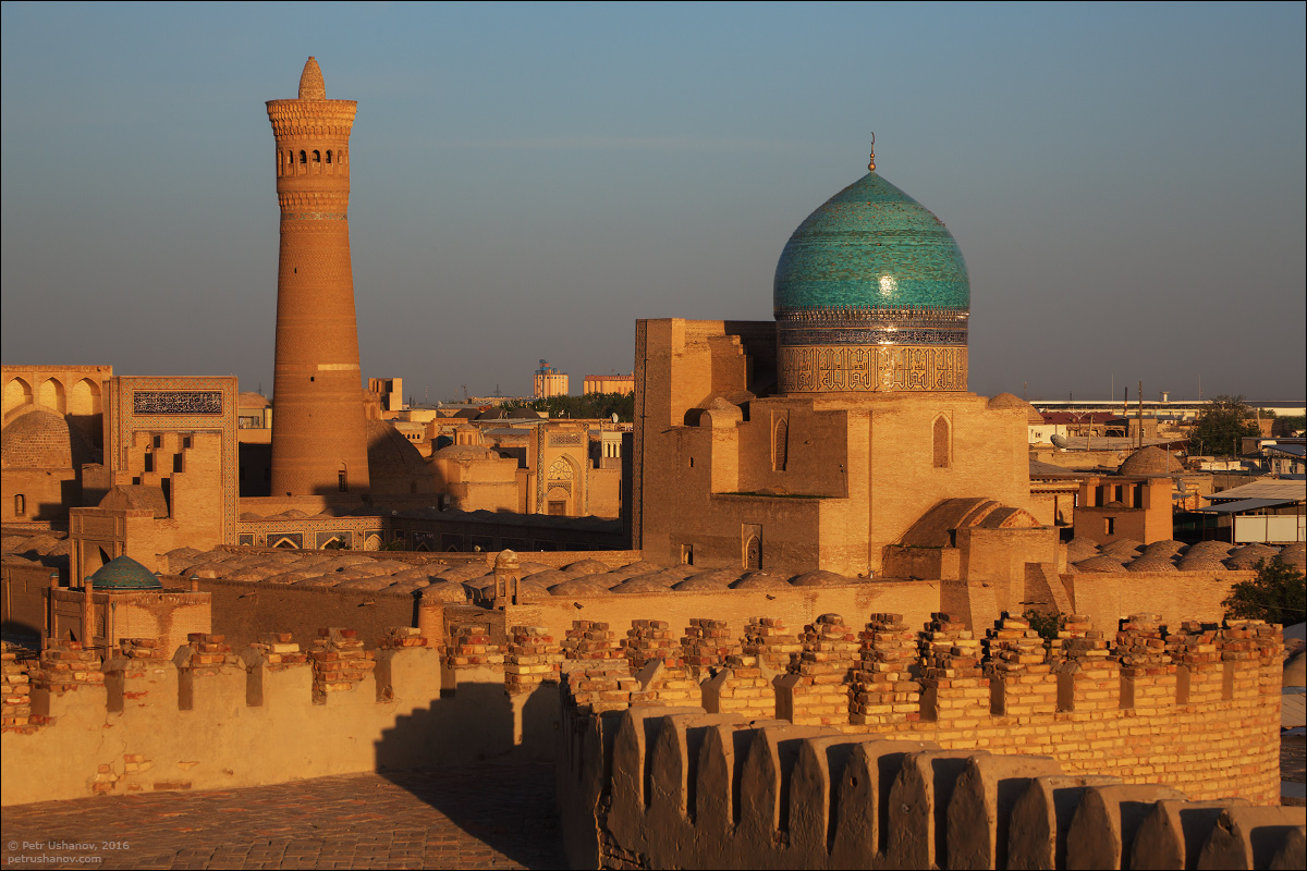 the-minaret-and-the-fortress-of-bukhara-12