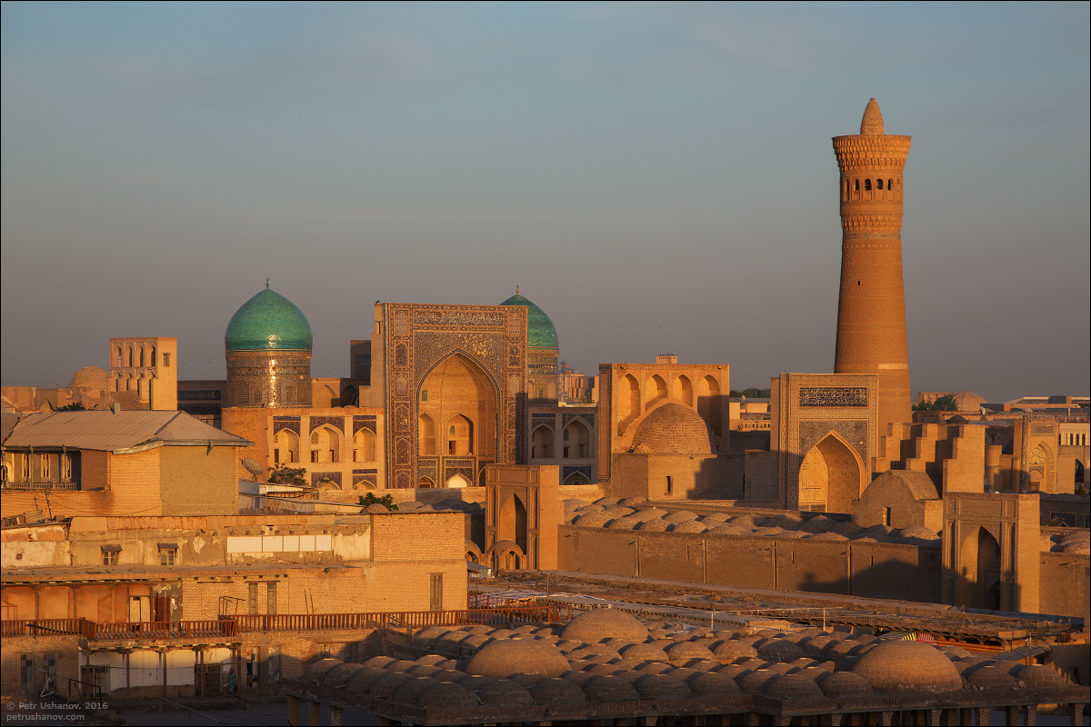the-minaret-and-the-fortress-of-bukhara-14