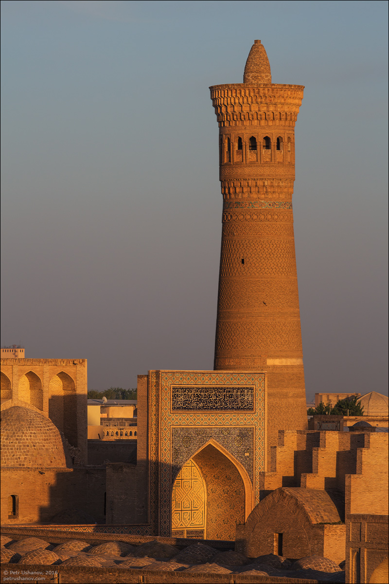 the-minaret-and-the-fortress-of-bukhara-15