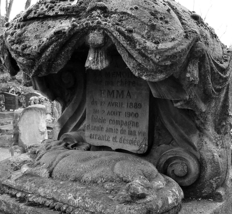 the-pet-cemetery-03