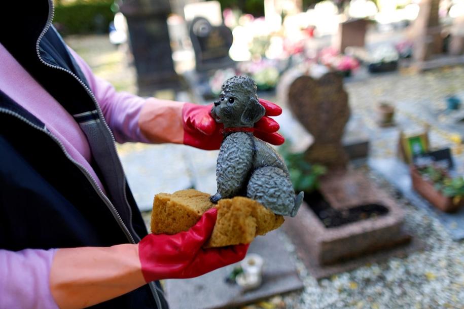 the-pet-cemetery-04