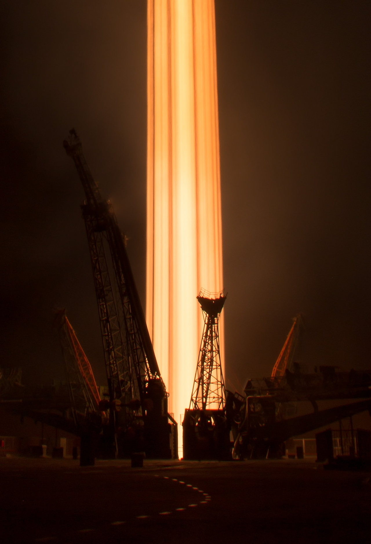 the-start-of-the-russian-spaceship-soyuz-ms-03-13