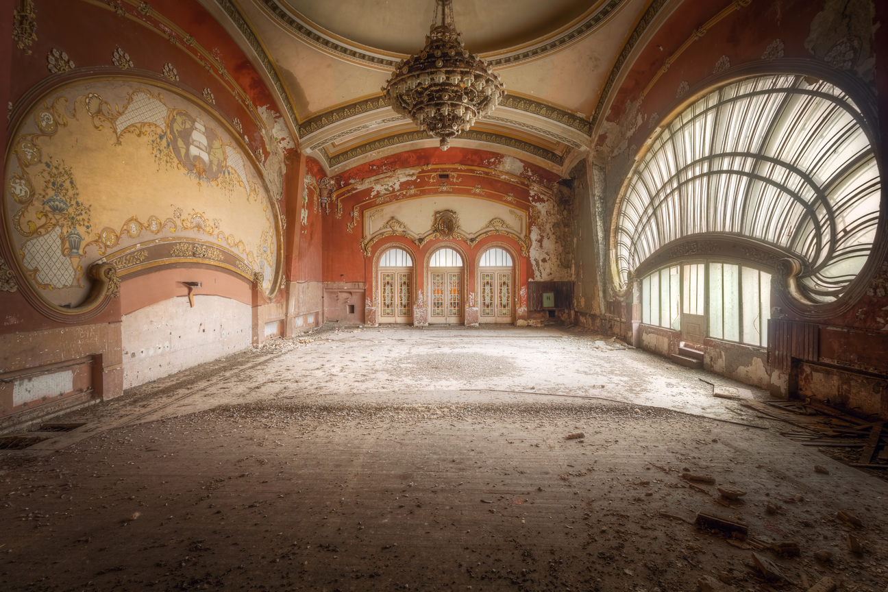 abandoned-casino-on-the-black-sea-03