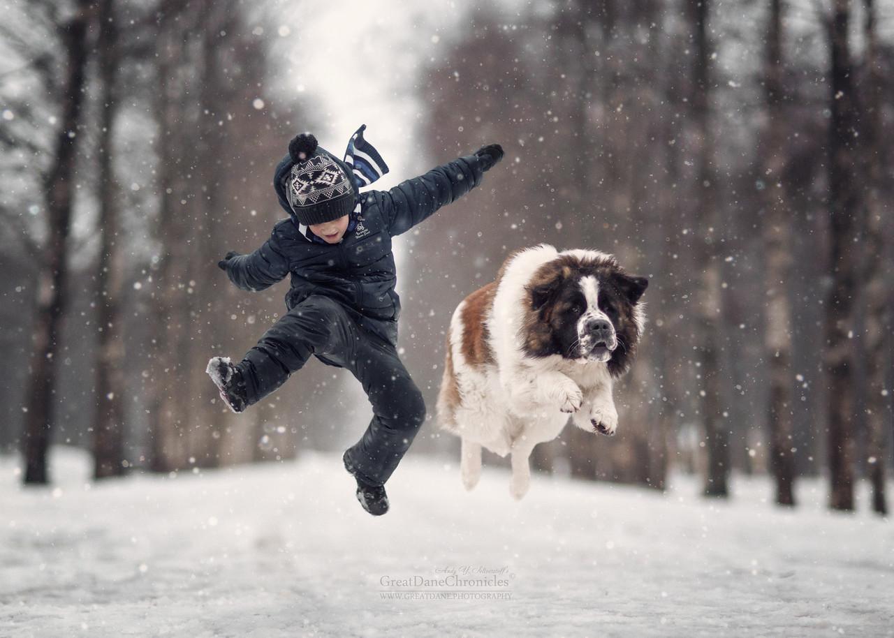 Лучшие друзья: фото детей и их больших собак