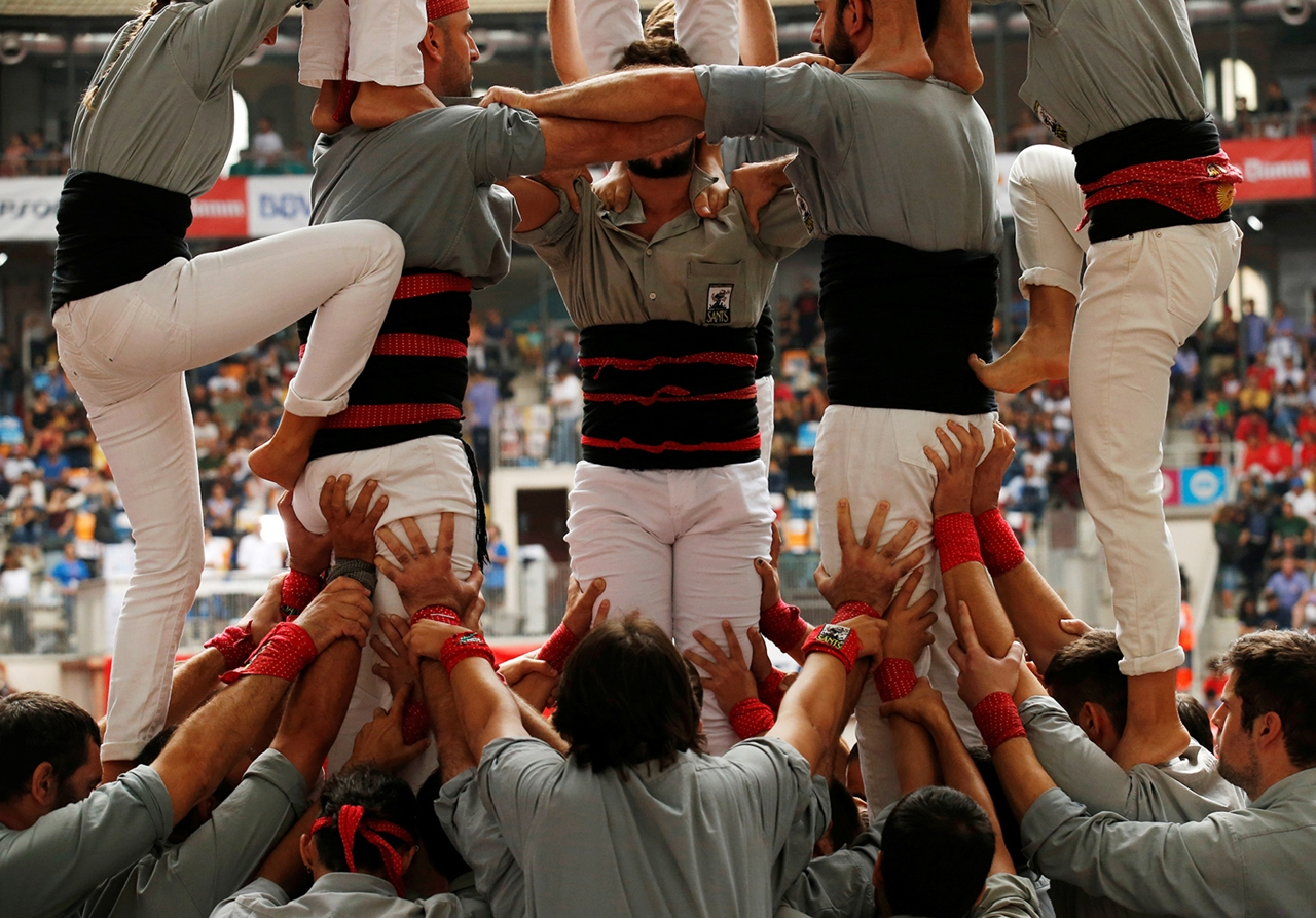 human-towers-in-spain-05