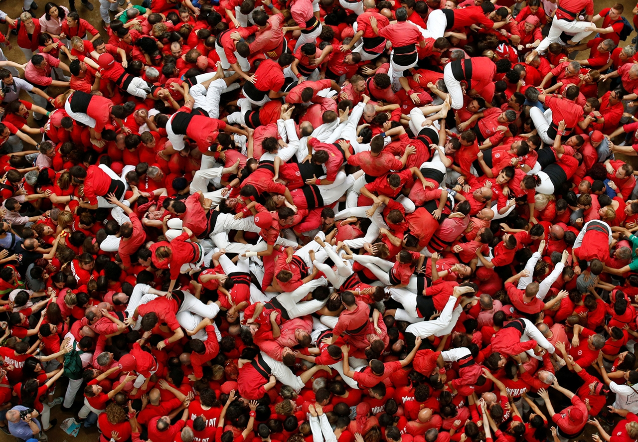 human-towers-in-spain-08