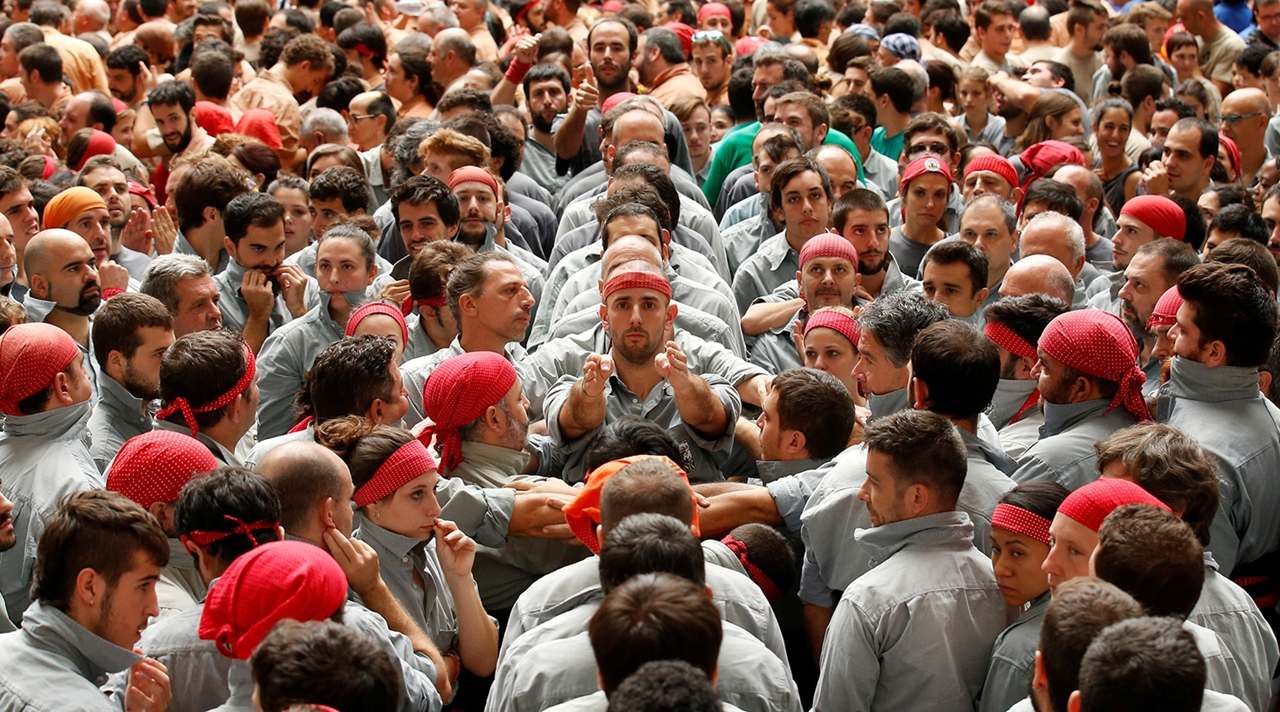 human-towers-in-spain-11