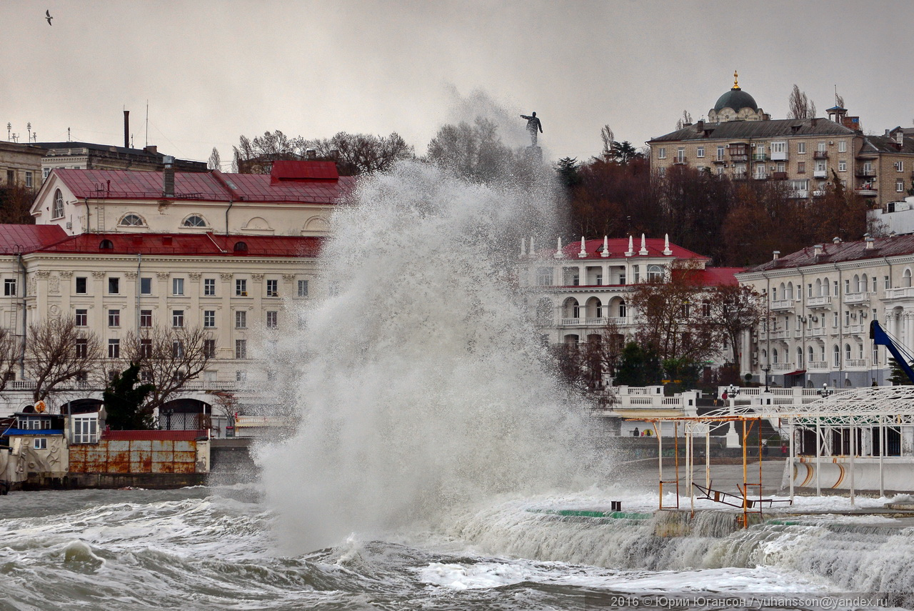 storm-in-sevastopol-11