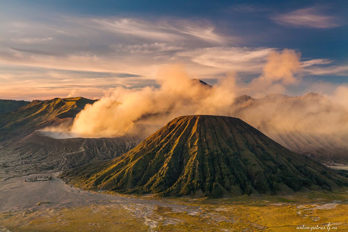 Вулкан Бромо — визитная карточка острова Ява