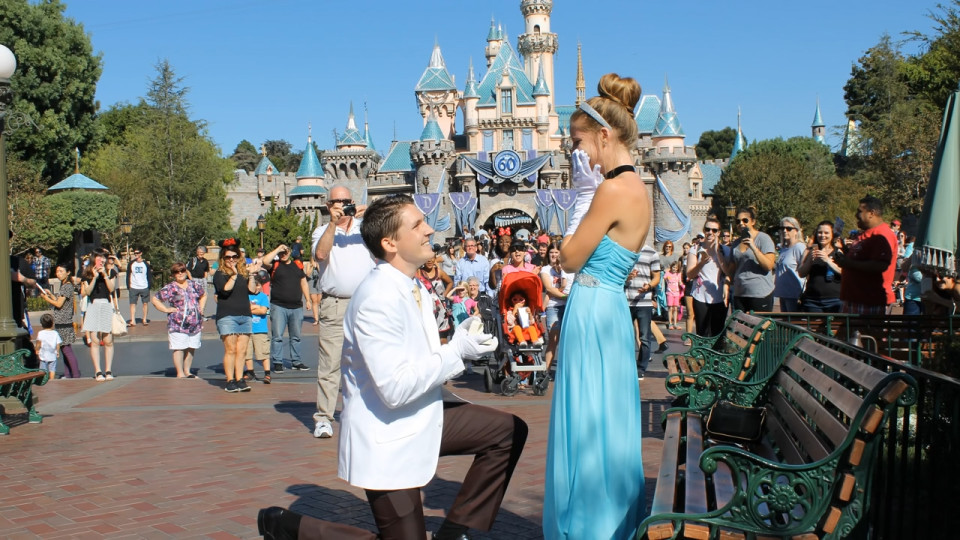 touching-and-romantic-proposal-of-marriage-01