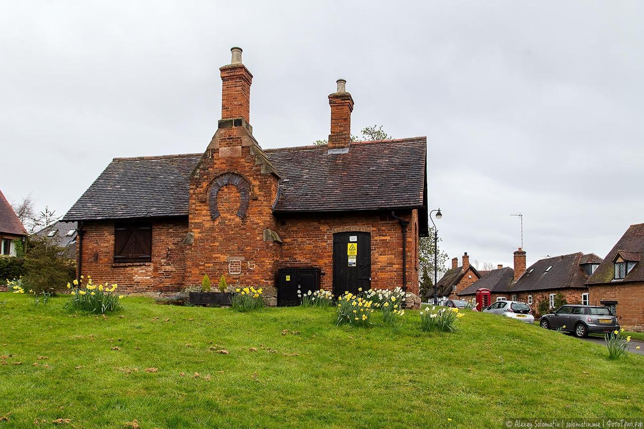 Нетронутая английская деревня Stoneleigh 16-18 века