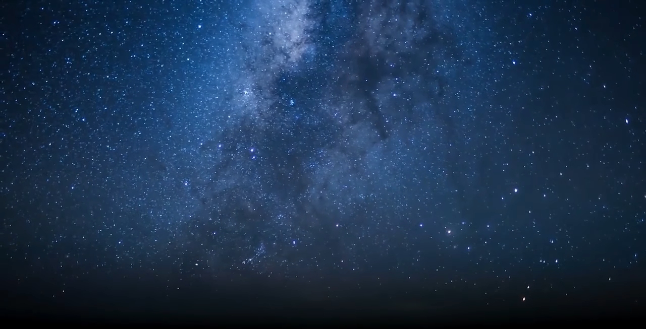 Прекрасный таймлапс Млечного пути из кабины самолета