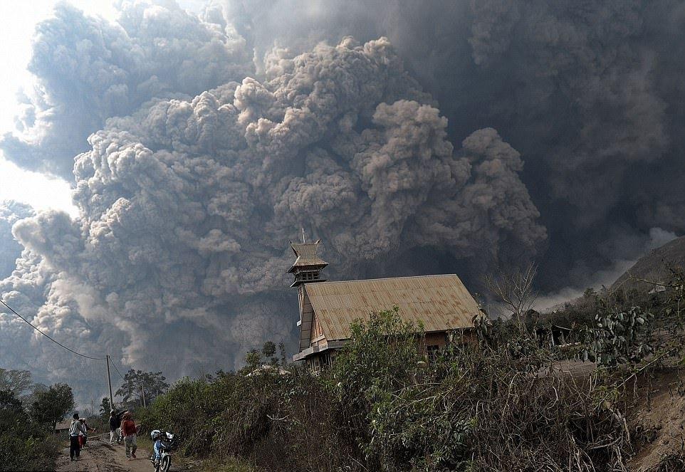 Впечатляющие кадры извержения вулканов последних лет