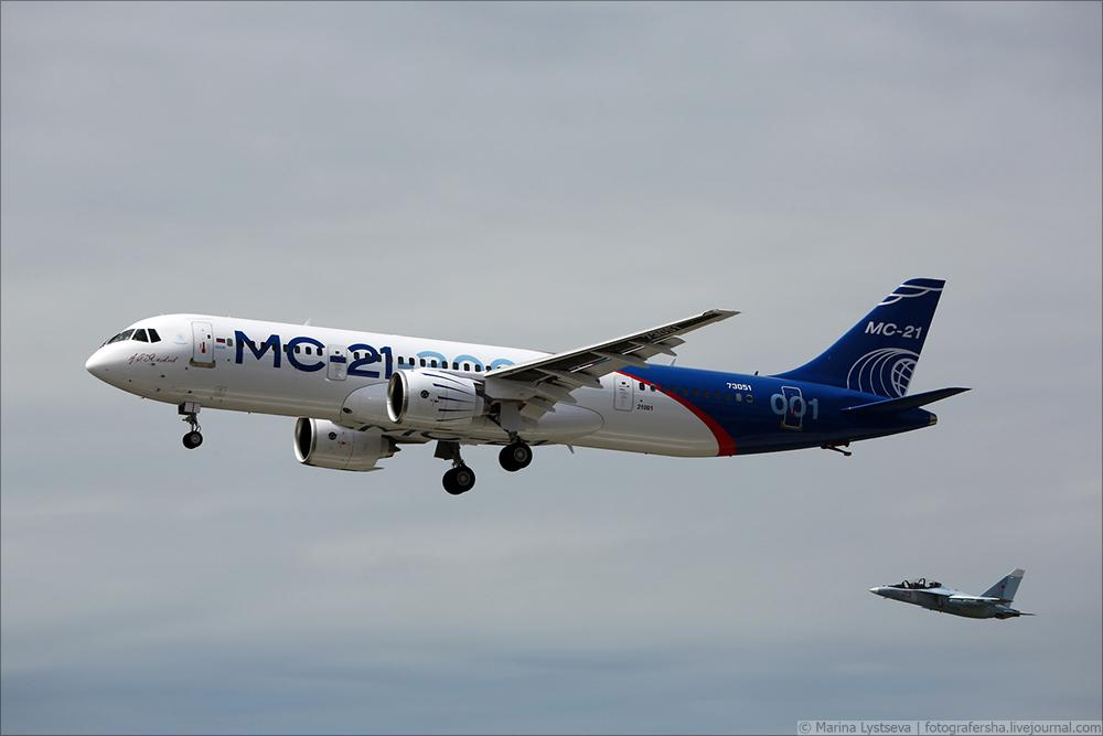 Первый полет нового пассажирского самолета МС-21-300