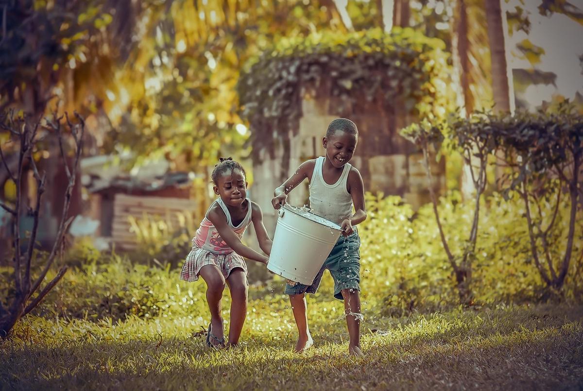 Трогательные моменты в снимках детства