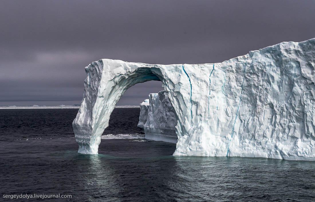 Величественные айсберги Гренландии