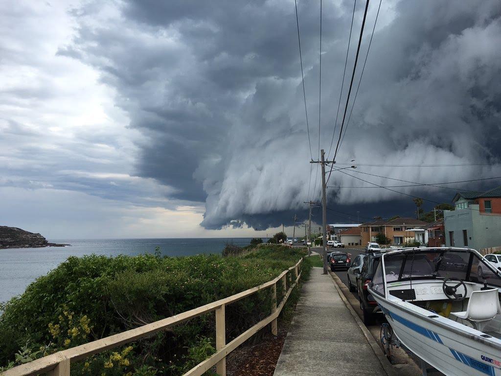 Невероятное облачное цунами в Сиднее