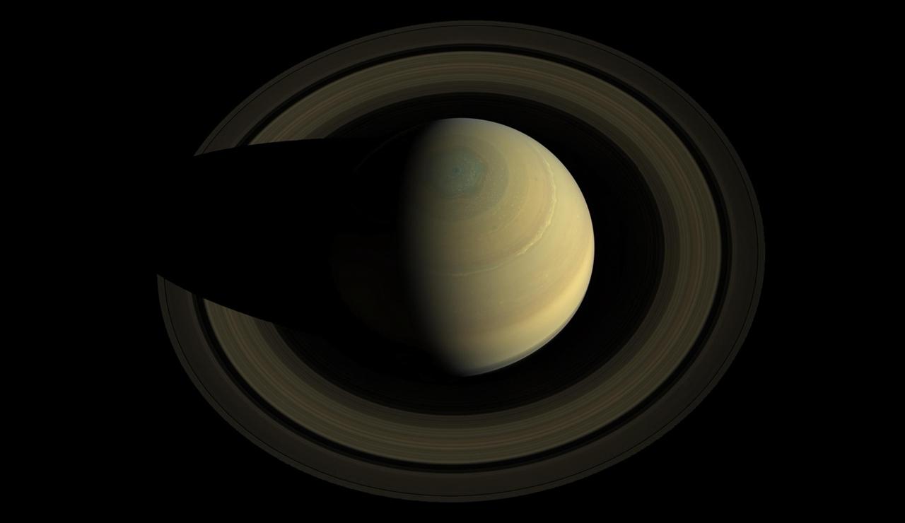 Лучшие фотографии Сатурна сделанные зондом Кассини