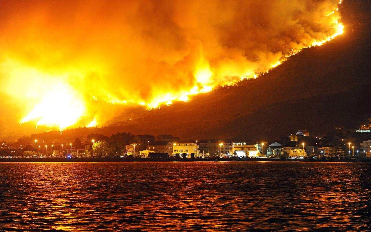 Европа в огне