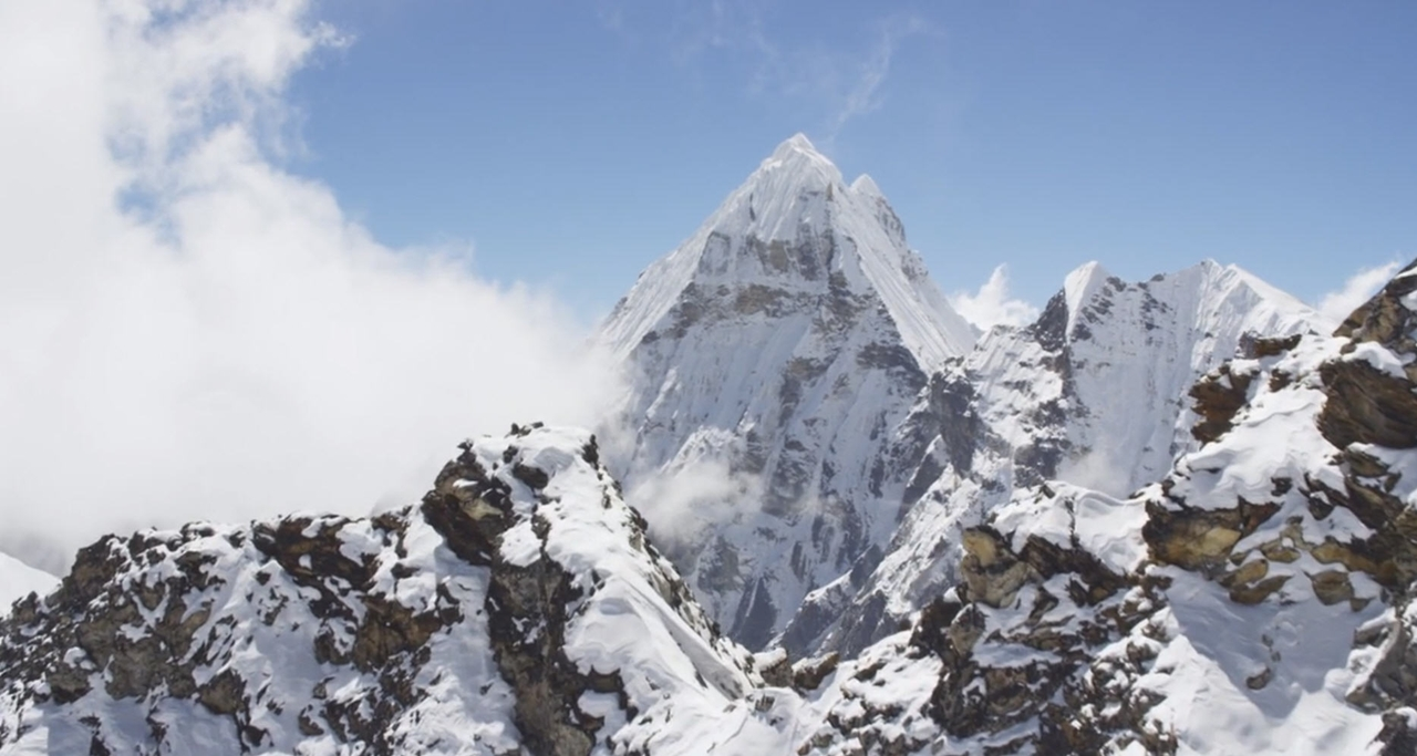 Завораживающая красота Гималаев с высоты в 20 000 футов
