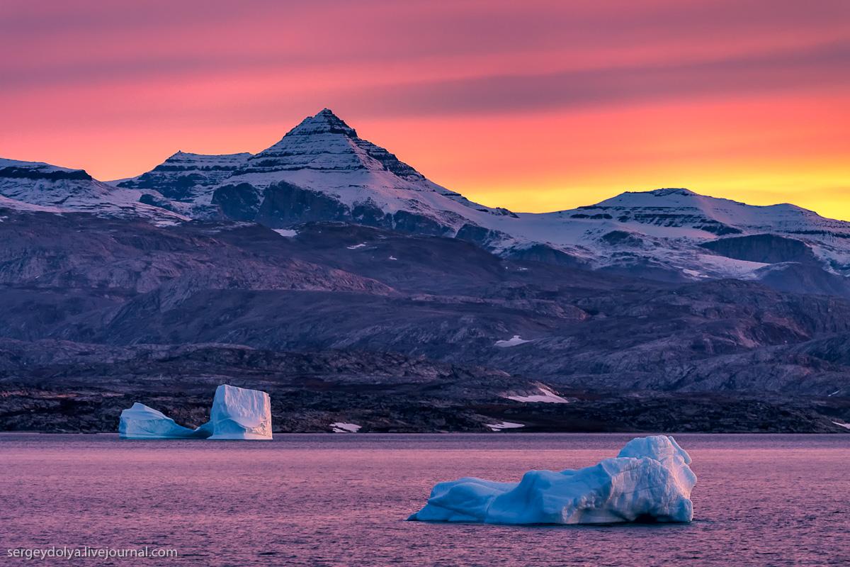Айсберги Гренландии на рассвете