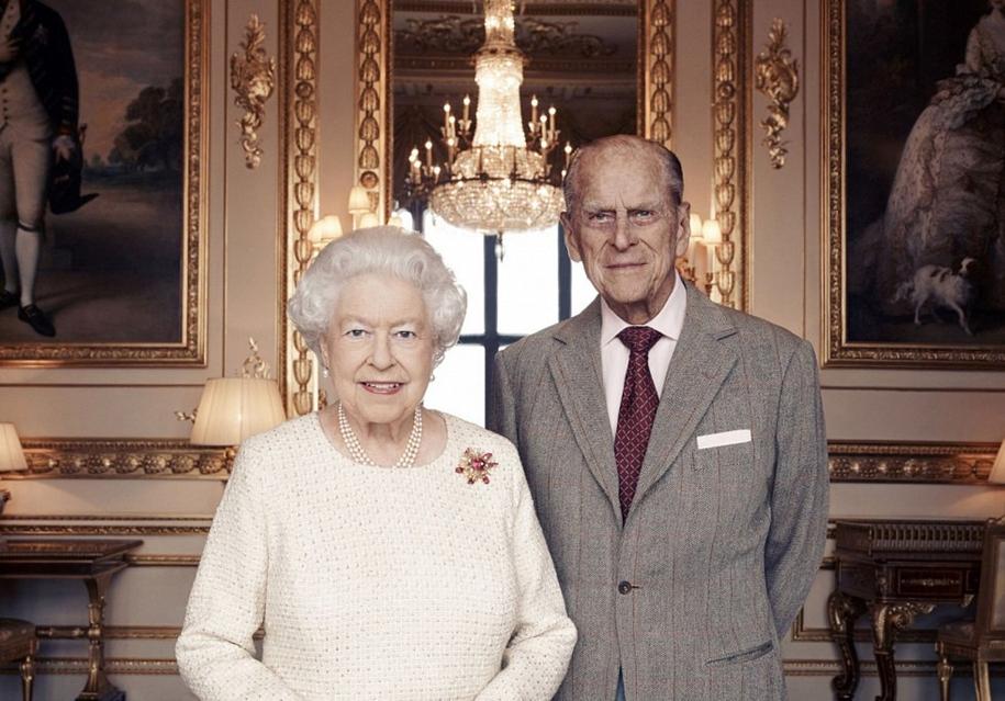 70 лет вместе: Елизавета II и принц Филип отмечают платиновую свадьбу