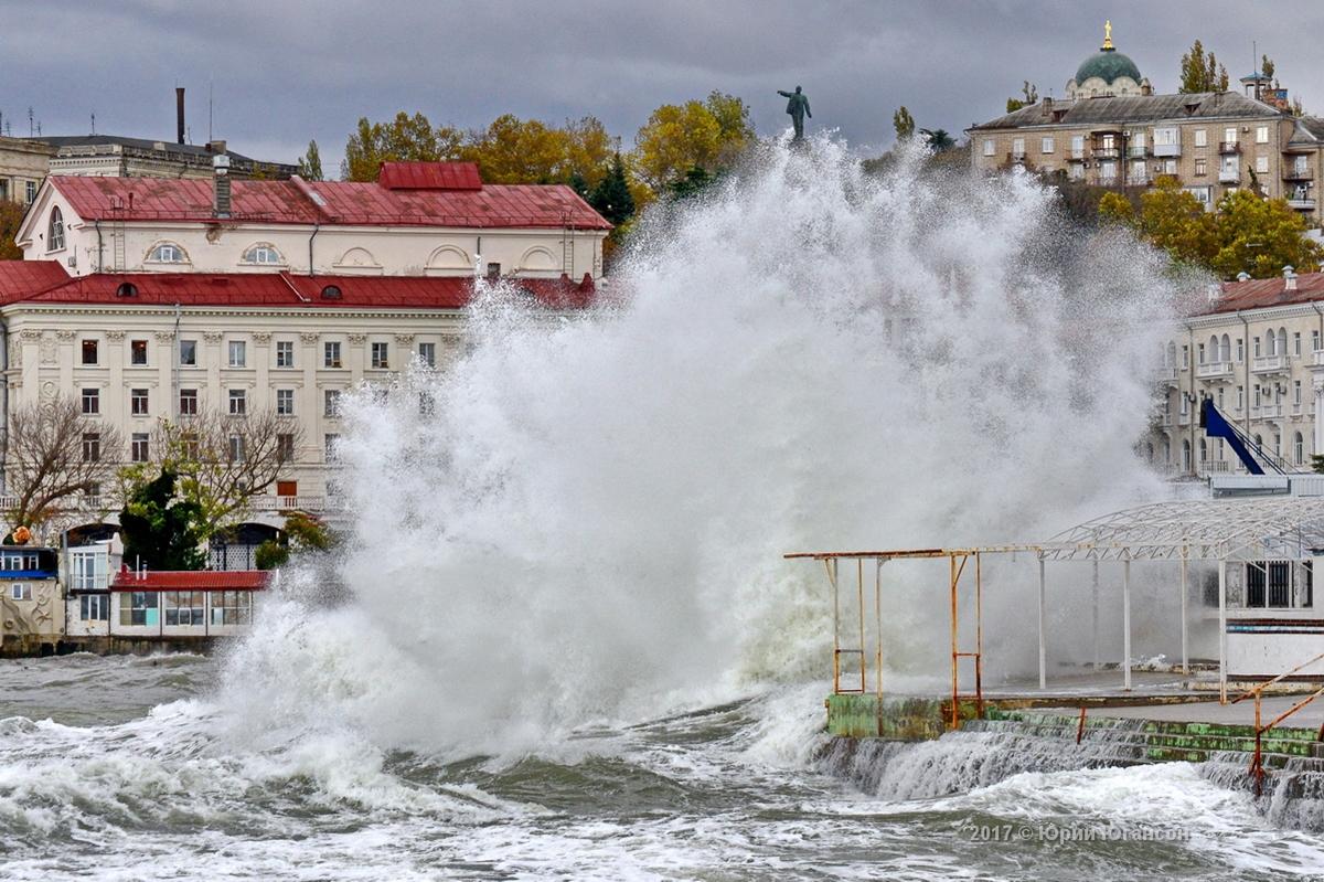 В Международный день Чёрного моря — именинник разошёлся не на шутку