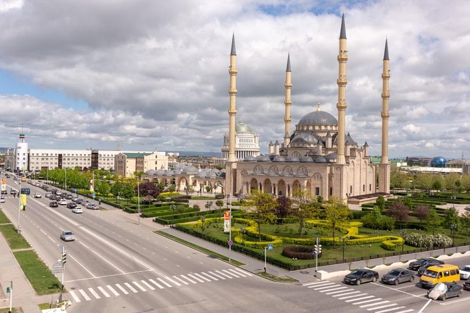 Мечеть «Сердце Чечни» имени Ахмата Кадырова в Грозном