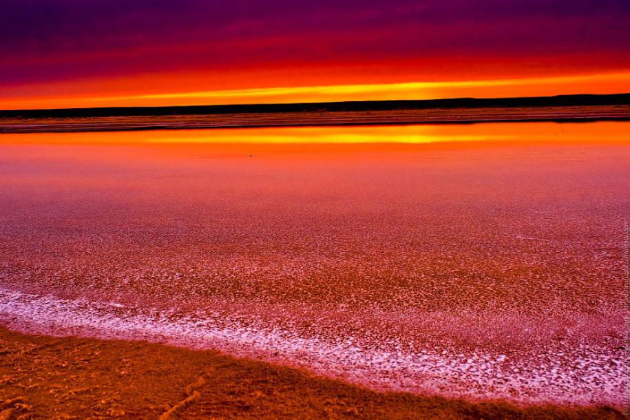 Тропический закат на озере Баскунчак