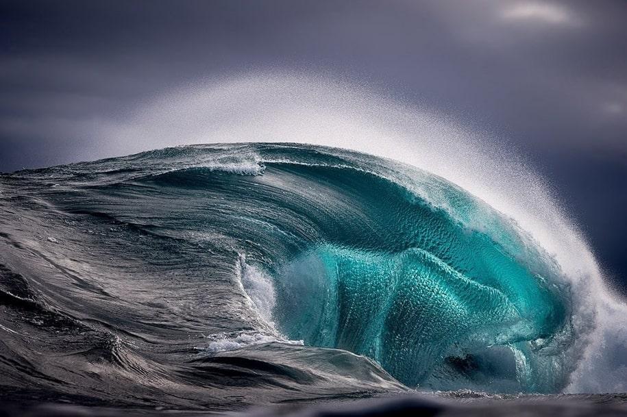 Бушующие волны на фото Рэя Коллинза
