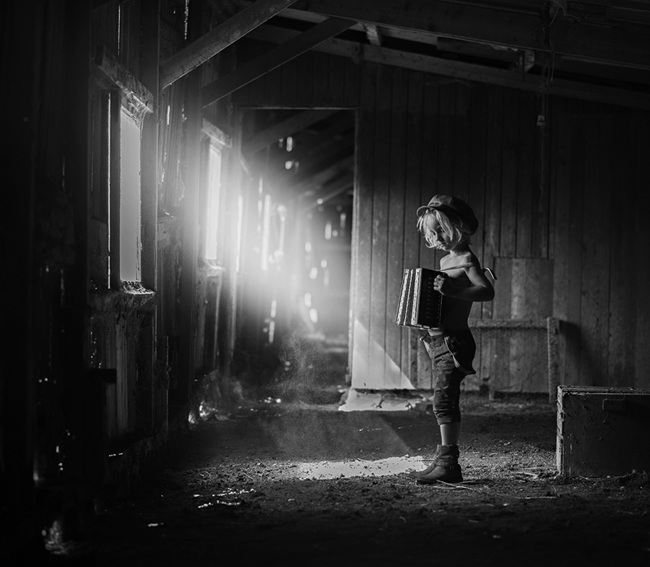 http://fotorelax.ru/wp-content/uploads/2016/03/Best-black-and-white-baby-pictures-contest-BW-Child-2015-07.jpg